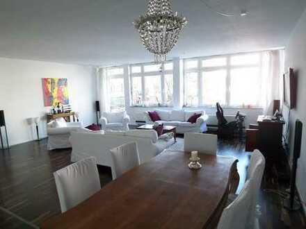 5,5 Zimmer-Loft (saniert in 2010) mit 195qm und extra Dachterrasse in Stuttgart-Zentrum/West