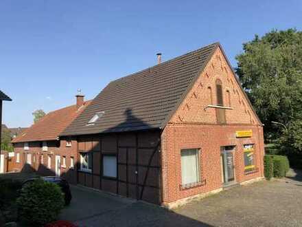 Schönes Fachwerkhaus in ruhiger Lage sucht Handwerker (Schnäppchen Haus )