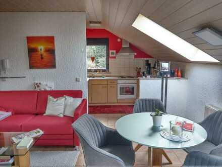 Freistehendes Haus in bester ruhiger Lage mit Weitblick über die Loggia.