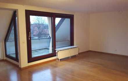 Gemütliche 2-Zimmer-Dachgeschosswohnung mit TG-Stellplatz in Bonn-Castell