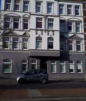 Schöne 2,5-Zimmer-Wohnung mit Balkon und EBK in Bremerhaven