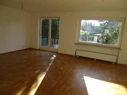Sanierte 2-Zimmerwohnung mit Garten und Einbauküche in bevorzugter Wohnlage
