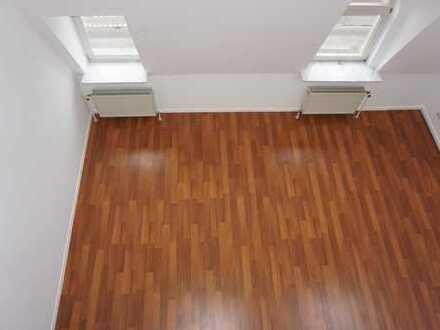 Großzügige Loft-/Maisonette-Whg. mit Dachterrasse direkt am Palmengarten!
