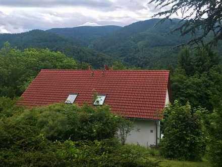 Schönes, geräumiges Haus mit fünf Zimmern in Breisgau-Hochschwarzwald (Kreis), Horben