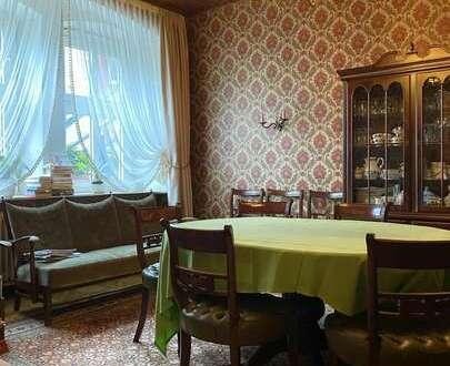 Großes Hotel mit Wohnung (Haus mit Potential) in 95482 Gefrees, Balkon, Hof