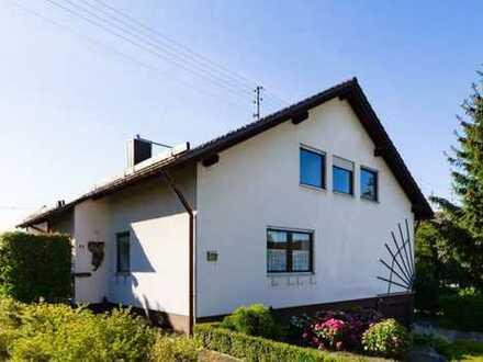 Schönes großes Haus mit 2 Wohnungen und großem Garten in Rottenburg zu vermieten