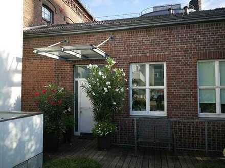 *Provisionsfrei* Vollständig renovierte 3-Zimmer-Maisonette-Wohnung mit Balkon und Terrasse