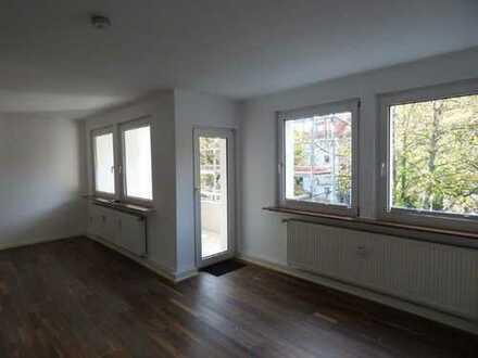 990 €, 104 m², 3 Zimmer