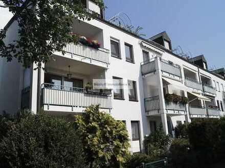 Mit schönem Blick in die Umgebung! Moderne, vermietete Dachwohnung als interessantes Investment!
