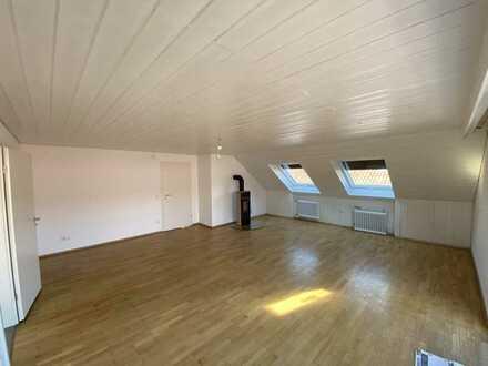 Vollständig renovierte 3-Zimmer-Dachgeschosswohnung mit Balkon in Malsch