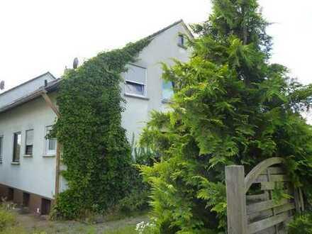 Zweifamilienwohnhaus in ruhiger Lage von Strullendorf