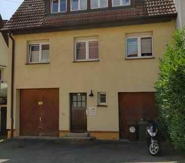 Schönes Haus mit sechs Zimmern in Stuttgart, Untertürkheim