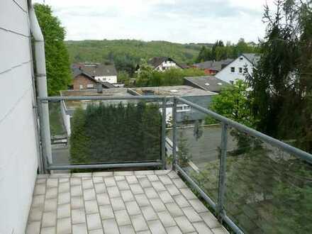 Vollständig renovierte 2-Zimmer-Wohnung mit Balkon in Bad Marienberg