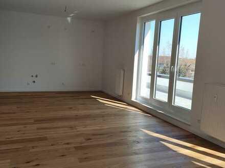 Helle 5-Zimmer Wohnung mit riesiger Dachterrasse und modernen Stil