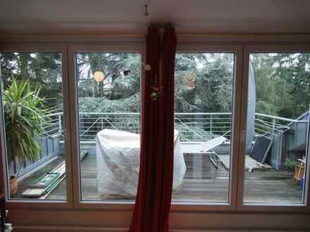 Helle 2 Zimmer Single - Wohnung mit großzügiger Loggia
