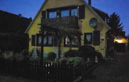 Schönes Haus mit 5 Zimmern, Garage, Carport, Nebengebäude, großer Garten in Delmenhorst, Heidkrug