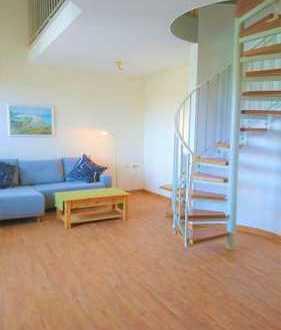 Stilvolle, modernisierte 2-Zimmer-Maisonette-Wohnung mit großer Loggia
