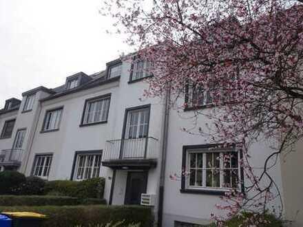 zentrale Wohnung im Grünen nahe Amtsgericht und Kaiser-Wilhelm-Park im 2.OG mit Balkon