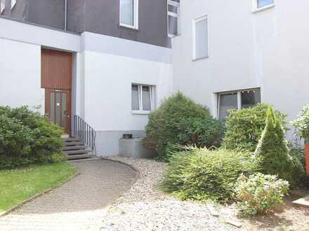 Zweckmässiges, modernes 2 Zimmer DB Apartment mit Pantryeinbauküche in Uninähe im EG