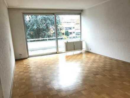TOP IMMOBILIE * 3 Zimmerwohnung mit Balkon und TG Stellplatz