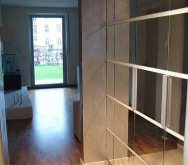 Schöne, möblierte, luxuriöse zwei Zimmer Wohnung in München, Bogenhausen