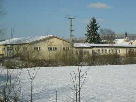 Gaststätte, Biergarten mit Fremdenzimmer + 320 qm Halle + herrlicher Ausblick ins Grüne!