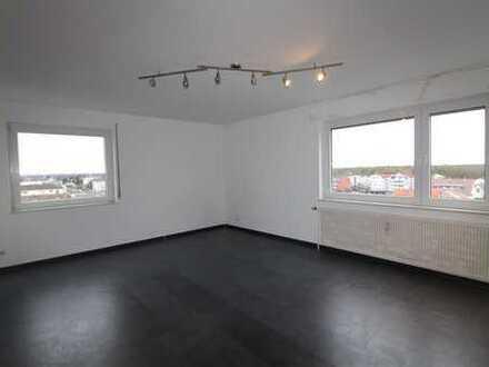 Gepfelgte 3 Zimmerwohnung mit Balkon und Außenstellplatz zu verkaufen!