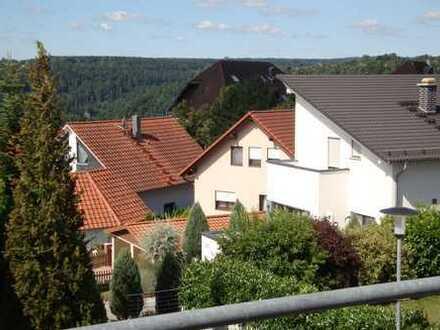Bad Liebenzell-Monakam: Großzügige DHH in ruhiger Aussichtslage