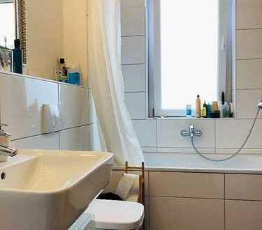 Schöne, geräumige ein Zimmer Wohnung in Köln, Riehl
