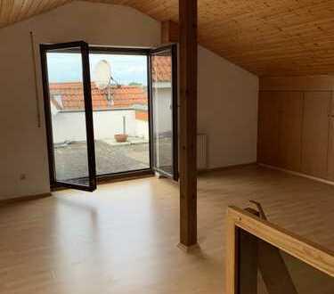 Walldorf: Schicke 3 ZKB DG.-Maisonette mit Einbauküche u. renoviertem Badezimmer