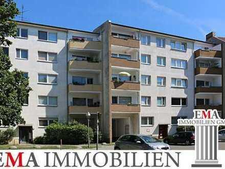 Sanierte Drei-Zimmer-Eigentumswohnung mit Balkon