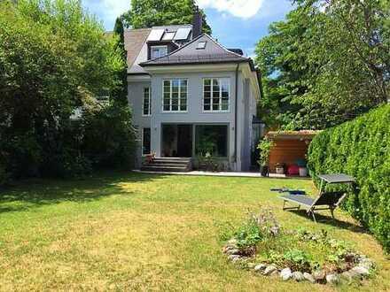 Außergewöhnliche Doppelhaushälfte mit großem Garten in München, Laim (befristet bis Juli 2020)