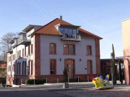 Neuwertige 5-Zimmer-Maisonette-Wohnung mit Balkon und EBK in Kaiserslautern