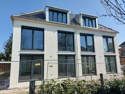 Neubau: KFW 55 Doppelhaushälfte; ruhige 4 Zimmer auf 3 Ebenen, Trudering