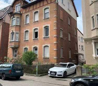 Erstbezug nach Sanierung: exklusive 3-Zimmer-DG-Wohnung in Stuttgart