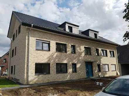 Erstbezug: stilvolle 4-Zimmer-Wohnung mit Balkon in Gütersloh