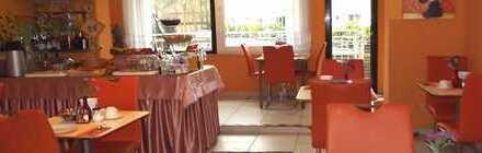 Renditeobjekt: Hotel mit Doppel-/Mehrbettzim., Rezeption, Küche, Frühstücksraum, Hofgarten&Stplz.