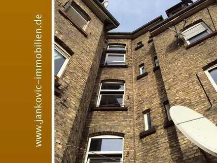 Attraktive Kapitalanlage - Teilsaniertes 8-Familienhaus in Mannheim-Waldhof