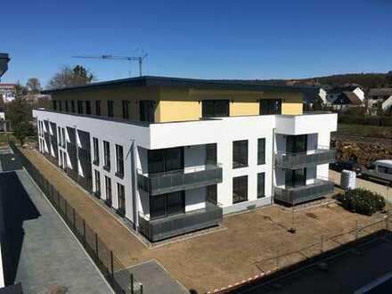 Erstbezug: schöne 3-Zimmer-Penthouse-Wohnung mit Einbauküche und Balkon in Butzbach
