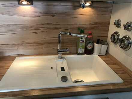 Modernisierte 3-Raum-Dachgeschosswohnung mit Einbauküche in Mannheim