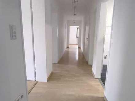 Erstbezug nach Sanierung: 4-Zimmer-Erdgeschosswohnung mit Süd-Balkon in Hettstadt