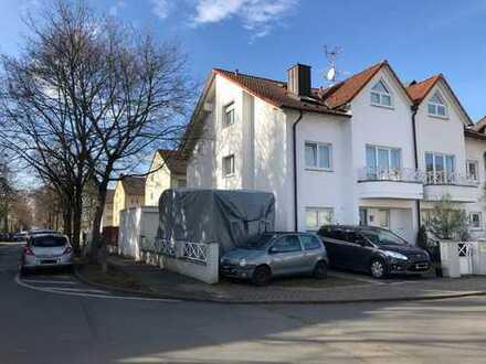 Schönes, geräumiges Haus mit fünf Zimmern und schönem Garten in Griesheim. Provisionfrei.