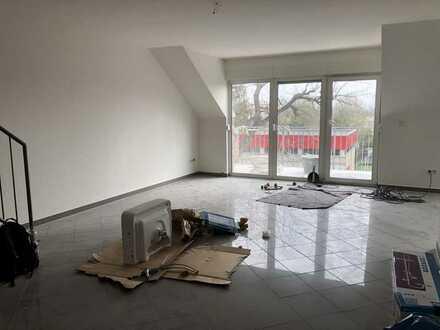 Super schöne 4 Zimmer Maisonette-Wohnung mit Balkon in Köln Longerich