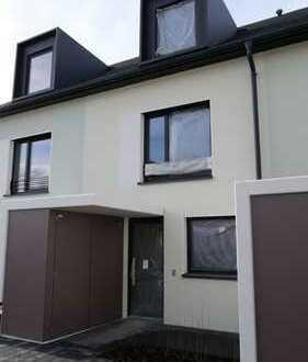 Schönes Familienhaus mit fünf Zimmern in Neustadt