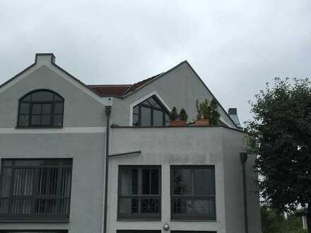Attraktive 3-Zimmer-DG-Wohnung mit Dachterrasse und EBK