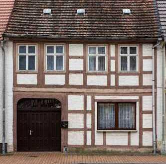 Traumgrundstück! Großes historisches Fachwerkhaus mit Nebengebäuden, Hof und großem Garten
