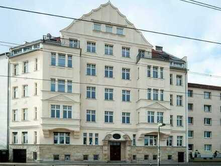 Geniale Aussichten! Dachloggia + Parkett + Fußbodenhzg. + Gaskamin + Gäste-Bad + freistehende Wanne