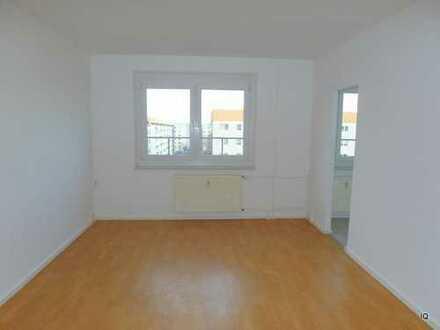 Ab sofort zu haben! Freundliche 1-Zimmer-Wohnung im 5.OG mit Laminatboden und Badewanne