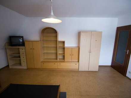 Gepflegte 1-Raum-Dachgeschoss-Wohnung für eine Person mit Einbauküche in Aschaffenburg