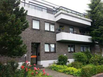 Stilvolle, gepflegte 5-Zimmer-Penthouse-Wohnung mit Balkon in Brück, Köln